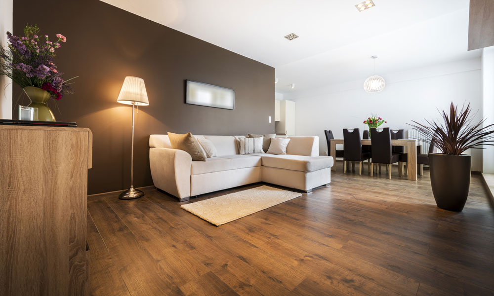 What is the Difference Between Engineered and Laminate Flooring?